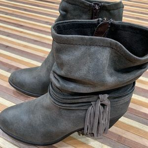 Grayish brown ankle tassel boots new